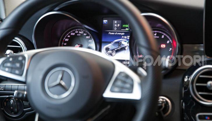 Mercedes-Benz GLC 350e: un passo in avanti verso l'elettrificazione - Foto 31 di 33