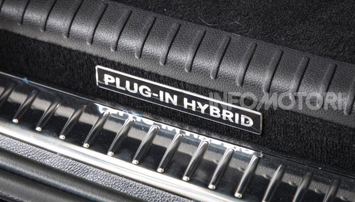 Mercedes-Benz GLC 350e: un passo in avanti verso l'elettrificazione - Foto 15 di 33