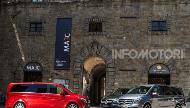 Prova Mercedes Classe V 2019, tutti i segreti del luxury van - Foto 13 di 42