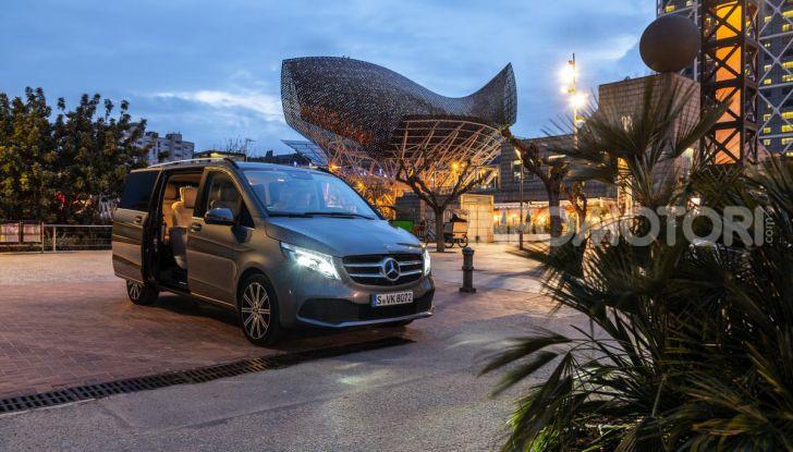 Prova Mercedes Classe V 2019, tutti i segreti del luxury van - Foto 35 di 42