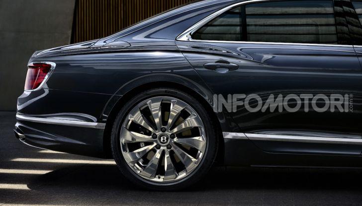 Nuova Bentley Flying Spur 2019: dati e prestazioni - Foto 2 di 23