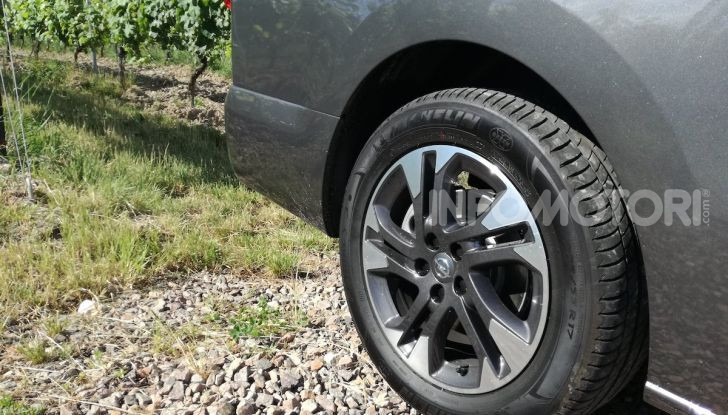 Prova Opel Zafira Life 2019, praticità e comfort fino a 9 posti - Foto 10 di 24