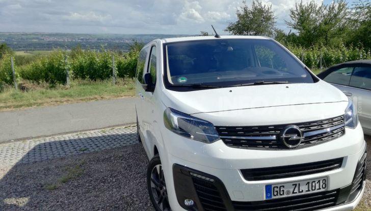 Prova Opel Zafira Life 2019, praticità e comfort fino a 9 posti - Foto 12 di 24