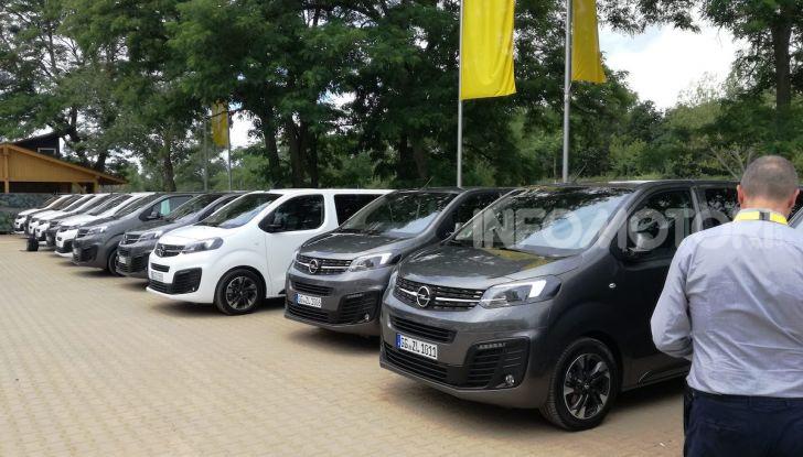Prova Opel Zafira Life 2019, praticità e comfort fino a 9 posti - Foto 6 di 24