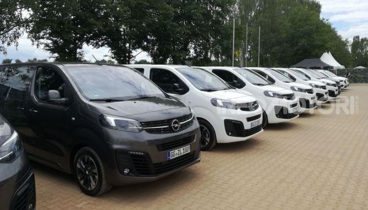 Prova Opel Zafira Life 2019, praticità e comfort fino a 9 posti - Foto 7 di 24