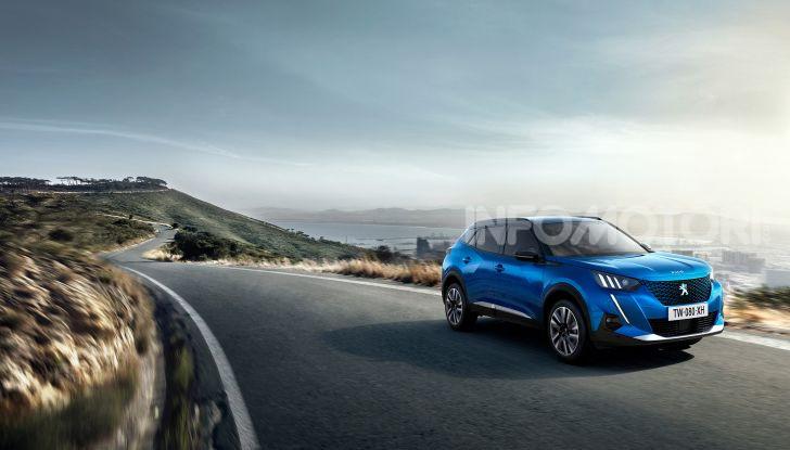 Nuova Peugeot 2008: è tutta rinnovata, dallo stile ai motori - Foto 11 di 17