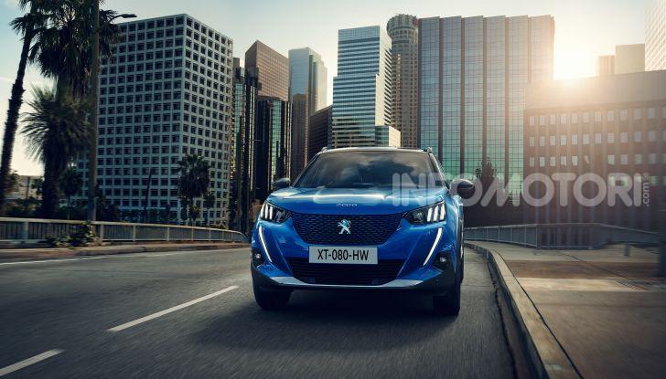 Nuova Peugeot 2008: è tutta rinnovata, dallo stile ai motori - Foto 4 di 17