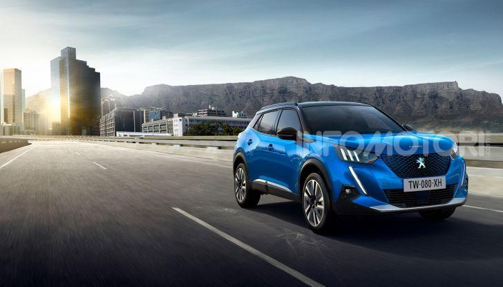 Nuova Peugeot 2008: è tutta rinnovata, dallo stile ai motori - Foto 10 di 17