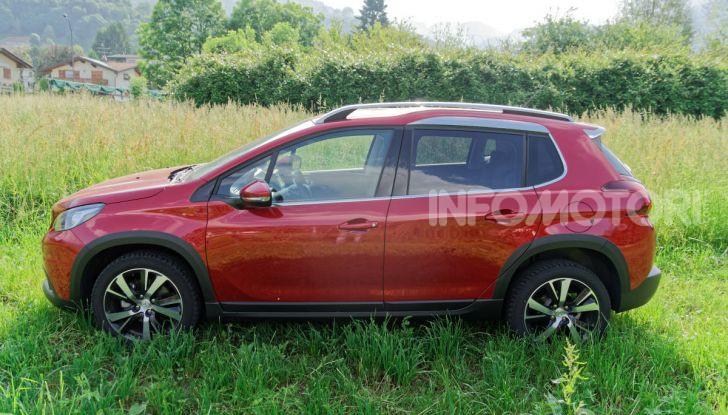Prova video Peugeot 2008 BlueHDi 120 EAT6, l'abbinata che mancava! - Foto 2 di 48