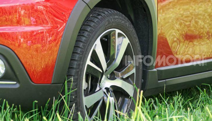 Prova video Peugeot 2008 BlueHDi 120 EAT6, l'abbinata che mancava! - Foto 5 di 48