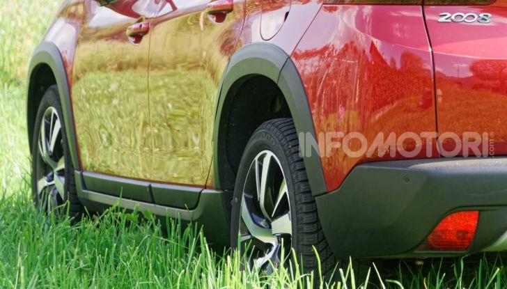 Prova video Peugeot 2008 BlueHDi 120 EAT6, l'abbinata che mancava! - Foto 9 di 48