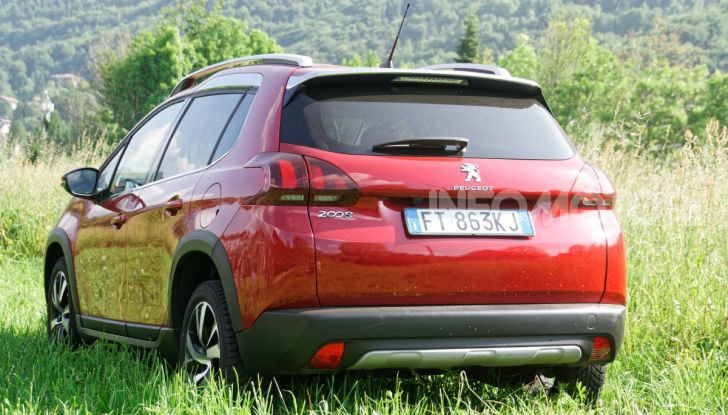 Prova video Peugeot 2008 BlueHDi 120 EAT6, l'abbinata che mancava! - Foto 10 di 48