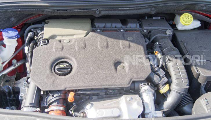 Prova video Peugeot 2008 BlueHDi 120 EAT6, l'abbinata che mancava! - Foto 15 di 48