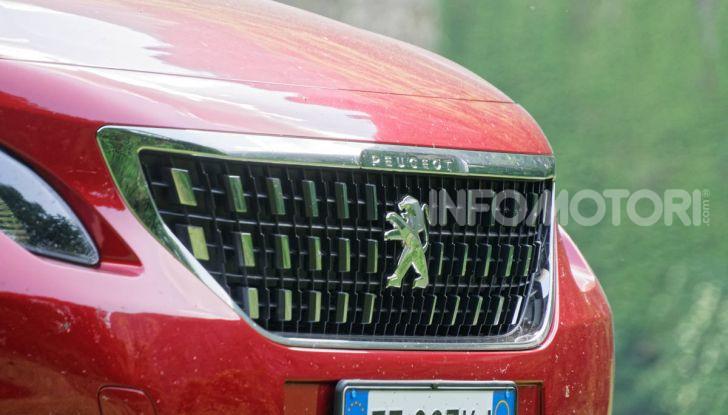 Prova video Peugeot 2008 BlueHDi 120 EAT6, l'abbinata che mancava! - Foto 21 di 48
