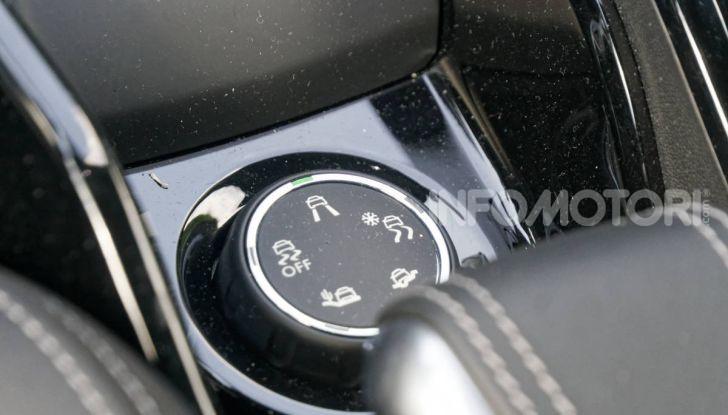 Prova video Peugeot 2008 BlueHDi 120 EAT6, l'abbinata che mancava! - Foto 30 di 48
