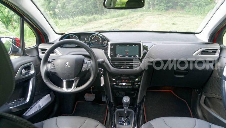 Prova video Peugeot 2008 BlueHDi 120 EAT6, l'abbinata che mancava! - Foto 32 di 48