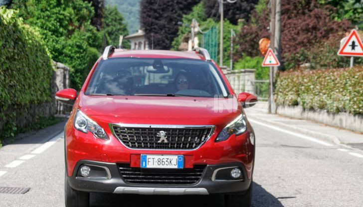 Prova video Peugeot 2008 BlueHDi 120 EAT6, l'abbinata che mancava! - Foto 35 di 48