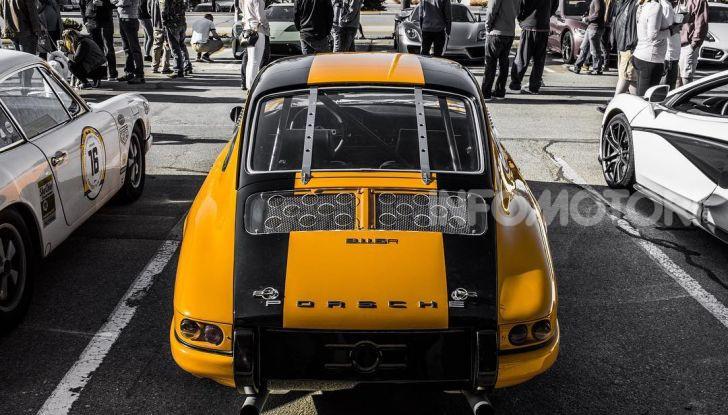 Porsche 911 S 2.7 del 1967 si veste da Bumblebee - Foto 18 di 26