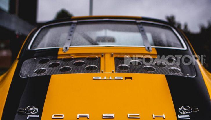 Porsche 911 S 2.7 del 1967 si veste da Bumblebee - Foto 21 di 26