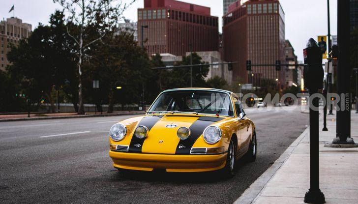 Porsche 911 S 2.7 del 1967 si veste da Bumblebee - Foto 1 di 26