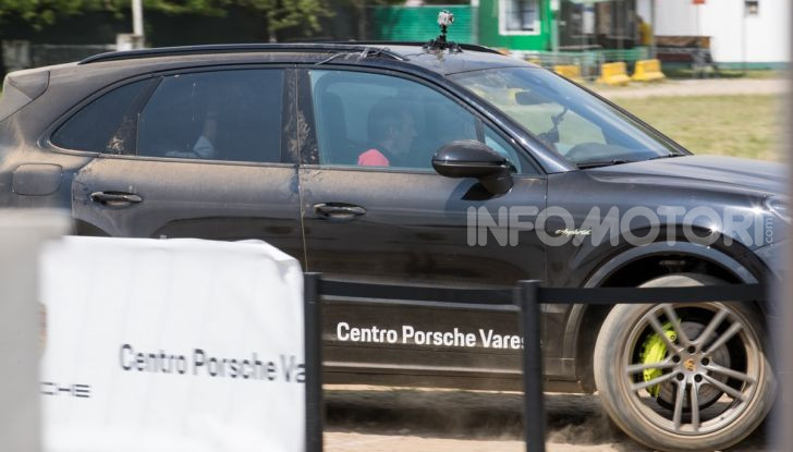 Tutti i segreti per guidare una Porsche in fuoristrada - Foto 22 di 22