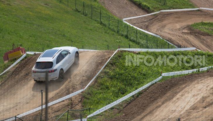 Tutti i segreti per guidare una Porsche in fuoristrada - Foto 9 di 22