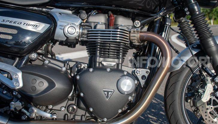 TRIUMPH SPEED TWIN motore Thruxton alleggerito