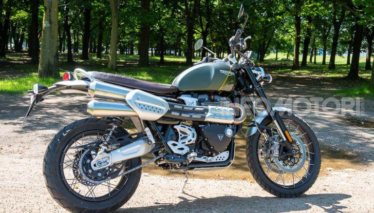 Prova Triumph Scrambler 1200 XC: modern classic dallo stile inconfondibile - Foto 3 di 48