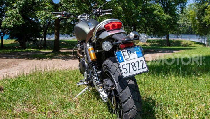 Prova Triumph Scrambler 1200 XC: modern classic dallo stile inconfondibile - Foto 46 di 48