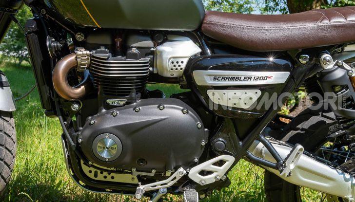 Prova Triumph Scrambler 1200 XC: modern classic dallo stile inconfondibile - Foto 24 di 48
