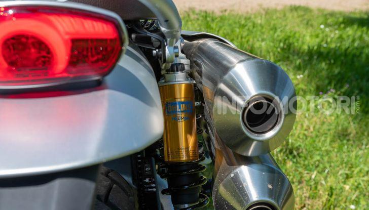 Prova Triumph Scrambler 1200 XC: modern classic dallo stile inconfondibile - Foto 27 di 48