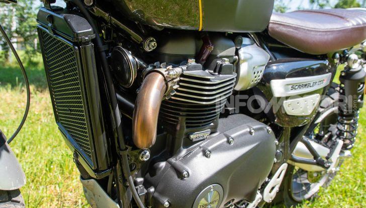 Prova Triumph Scrambler 1200 XC: modern classic dallo stile inconfondibile - Foto 31 di 48