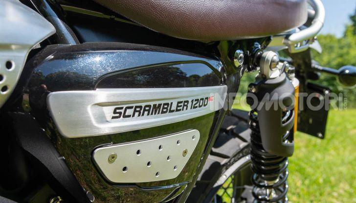 Prova Triumph Scrambler 1200 XC: modern classic dallo stile inconfondibile - Foto 32 di 48