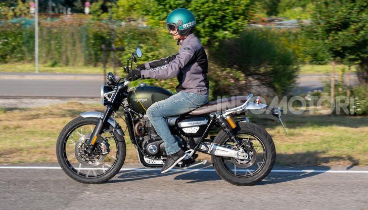 Prova Triumph Scrambler 1200 XC: modern classic dallo stile inconfondibile - Foto 42 di 48