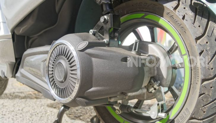 Vespa Elettrica motore brushless close to wheel