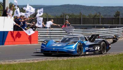 Volkswagen ID.R: nuovo record tra le elettriche al Nürburgring