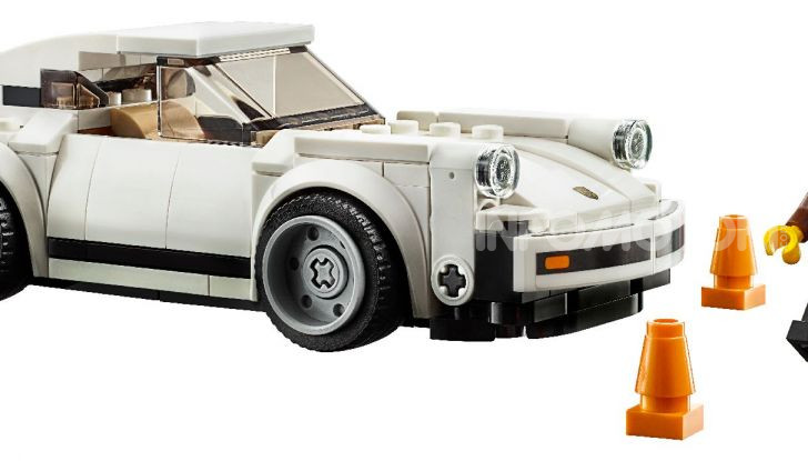 Porsche 911 Turbo 3.0 1974 set LEGO Speed Champions - Foto 4 di 6