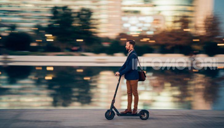 Decreto Micromobilità: semaforo verde a monopattini e hoverboard nelle città italiane - Foto 6 di 10