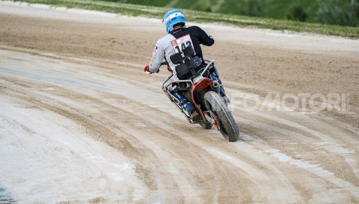 Nicola Dutto sfida Valentino Rossi nel Ranch di Tavullia - Foto 5 di 7