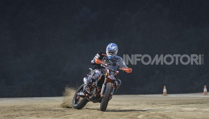 Nicola Dutto sfida Valentino Rossi nel Ranch di Tavullia - Foto 6 di 7