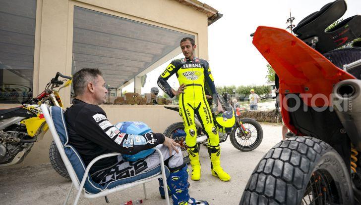 Nicola Dutto sfida Valentino Rossi nel Ranch di Tavullia - Foto 7 di 7