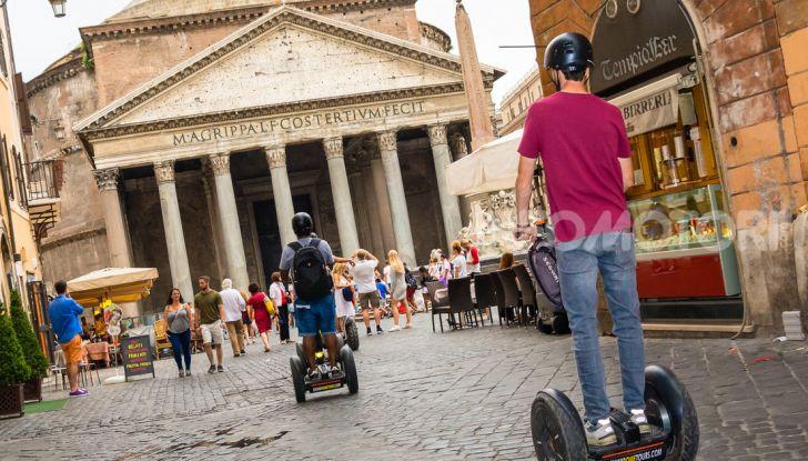 Decreto Micromobilità: semaforo verde a monopattini e hoverboard nelle città italiane - Foto 7 di 10