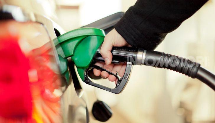 Benzina nel motore diesel: cosa fare per rimediare e quali sono le conseguenze? - Foto 3 di 10
