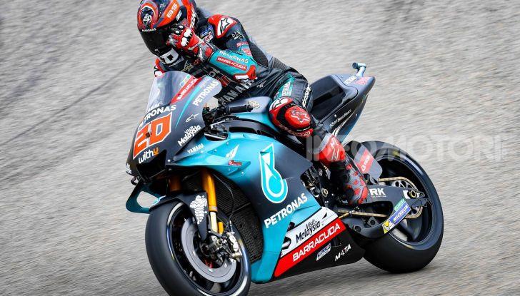 MotoGP 2019 GP di Germania: Marquez sale in cattedra e centra la pole position al Sachsenring. Fuori dai primi dieci Rossi e le Ducati ufficiali - Foto 4 di 12