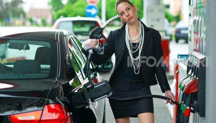 Benzina nel motore diesel: cosa fare per rimediare e quali sono le conseguenze? - Foto 2 di 10