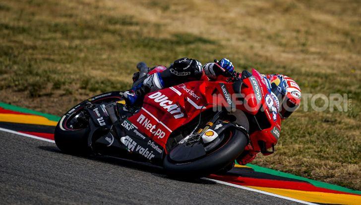 MotoGP 2019, GP della Repubblica Ceca: Marquez piega Dovizioso e vince a Brno, Rossi quinto - Foto 7 di 11