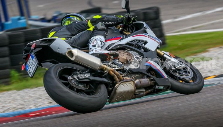 [VIDEO] Prova BMW S1000RR 2019: l'apoteosi dell'eccellenza - Foto 7 di 50