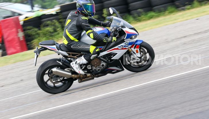 [VIDEO] Prova BMW S1000RR 2019: l'apoteosi dell'eccellenza - Foto 8 di 50