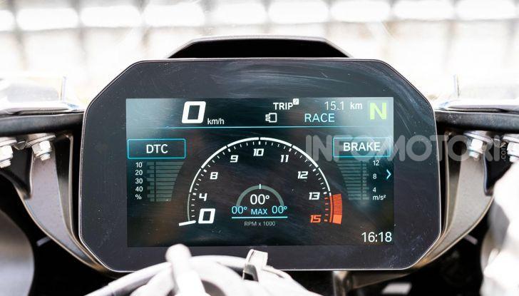 BMW S1000RR strumentazione TFT dashboard