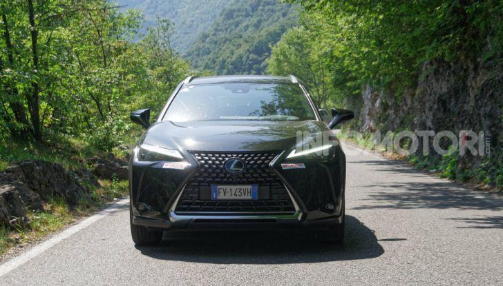 [VIDEO] Lexus UX 250h, il premium hybrid ha l'asso nella manica! - Foto 2 di 58